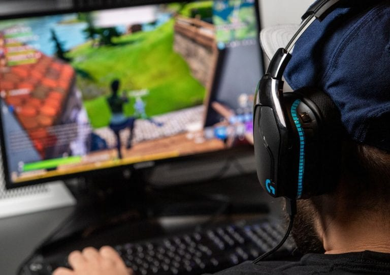 Discs heading the way of the dinosaur as gamers embrace downloads