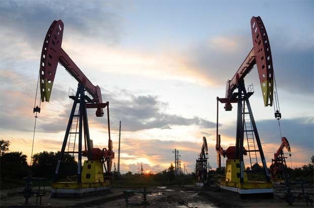 Oil rises to one-week high as US supply concerns dominate