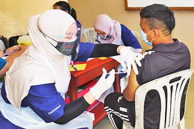 PSD: Unvaccinated civil servants could face disciplinary motion, termination