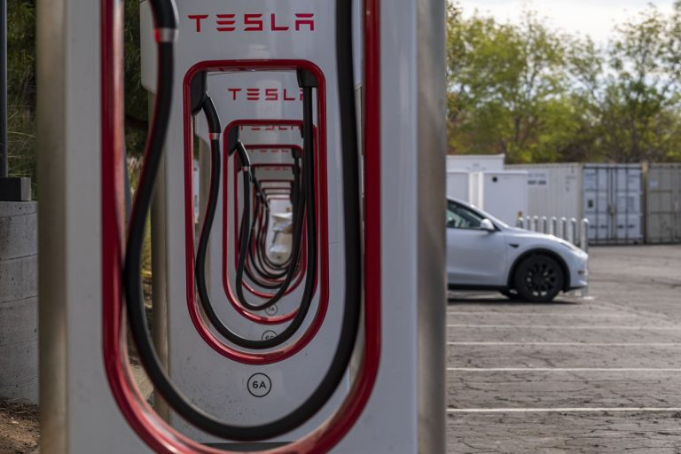 Tesla shifting to cheaper battery chemistry tried in China
